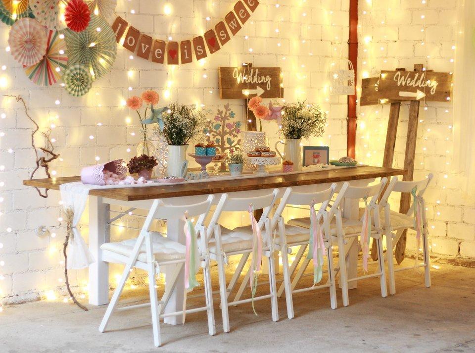 romantisch verleih von tischen st hlen deko dekoration. Black Bedroom Furniture Sets. Home Design Ideas