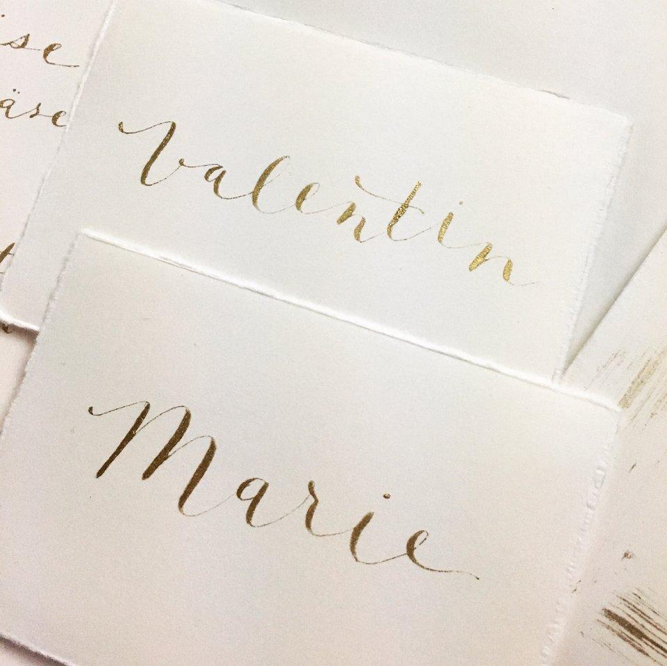 The Meaningful Script | Karten & Papeterie - Exklusive Einladungskarten